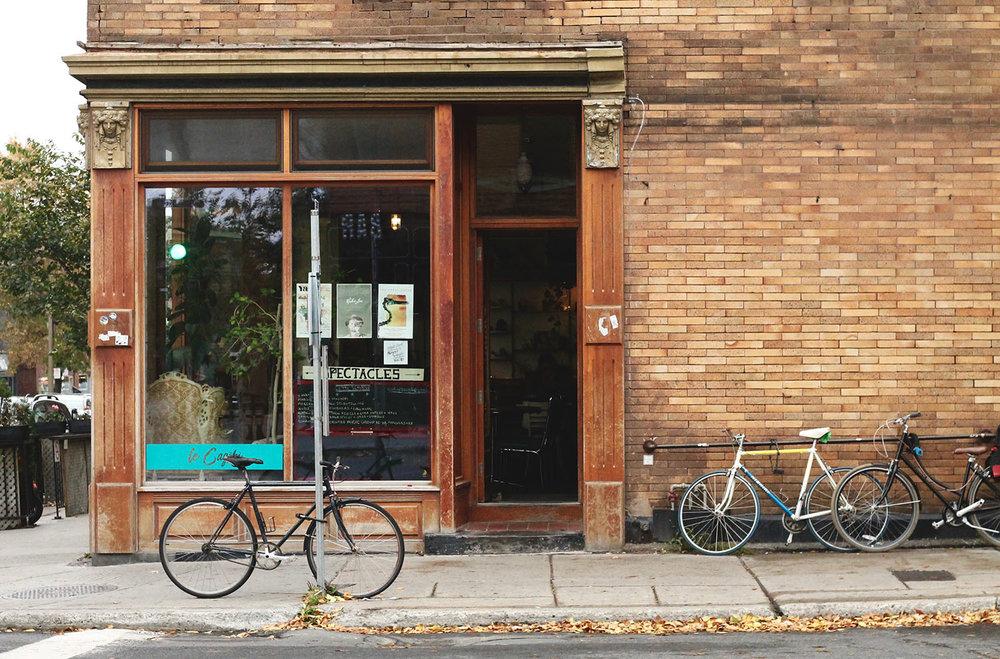 IMG_8524-Montreal-street-photography-via-5thfloorwalkup.com-by-Melina-Peterson.jpg