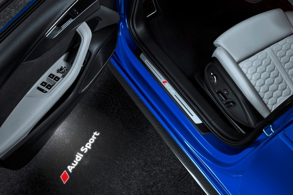 BLACKLIST 2018 AUDI RS4 AVANT (5).jpg