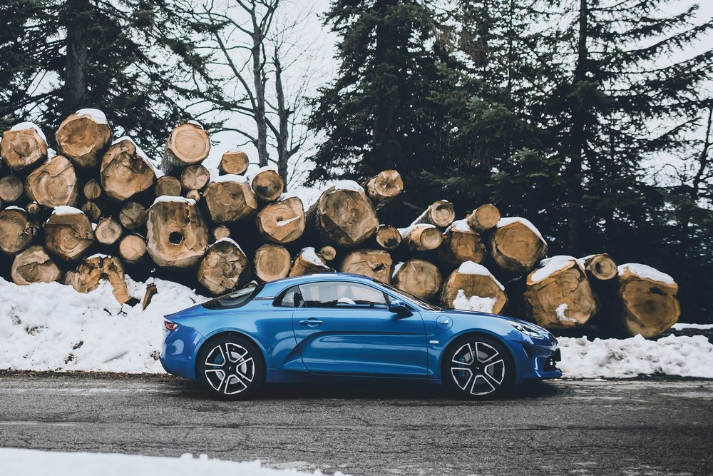 alpine-a110-embargo-geneva-ms-12h30-uk-070317-20.jpg