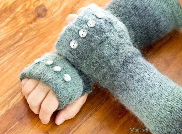 sweater gloves2.jpg