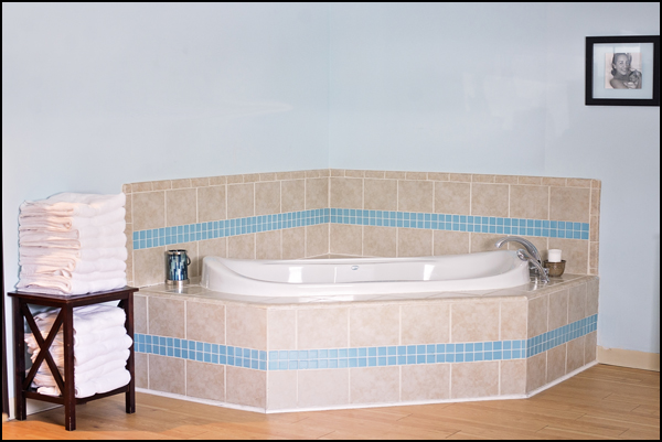 Birth Center Blue Room Tub