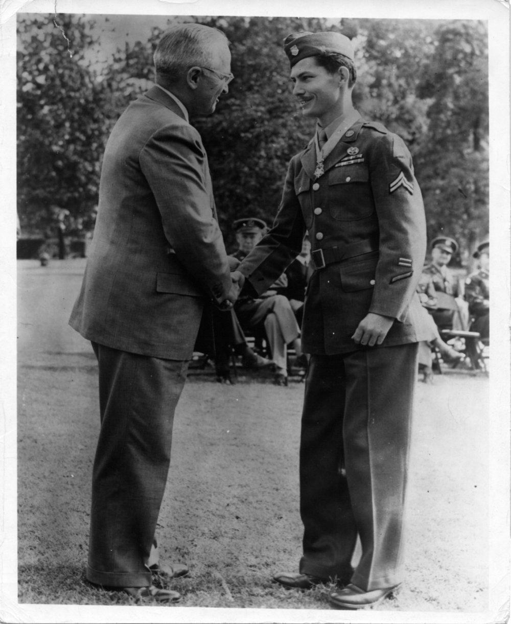 Desmond Doss - Truman handshake.jpg