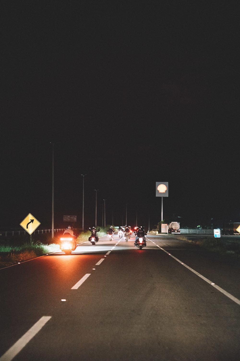 Harley Davidson Estrada noite