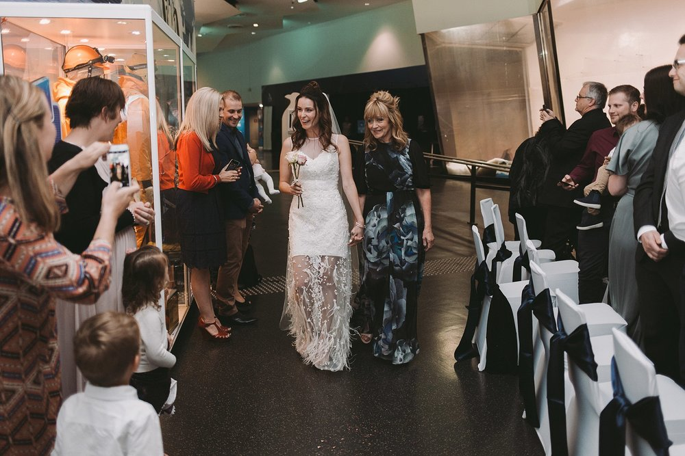 Lecinda Ward, Melbourne Wedding Photographer, Melbourne Aquarium_0235.jpg