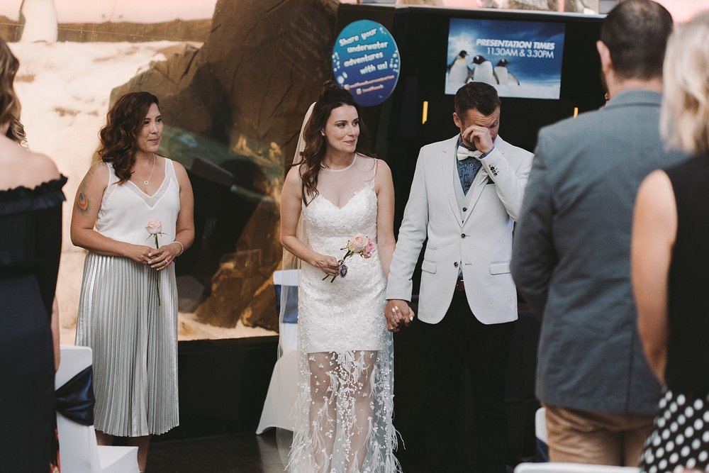 Lecinda Ward, Melbourne Wedding Photographer, Melbourne Aquarium_0237-1.jpg
