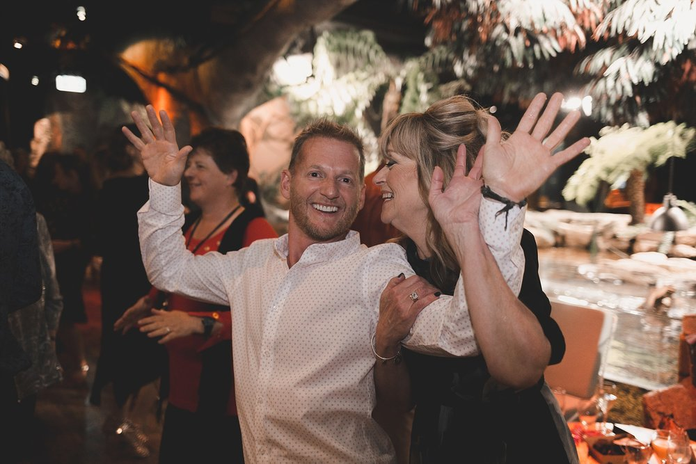 Lecinda Ward, Melbourne Wedding Photographer, Melbourne Aquarium_0298.jpg