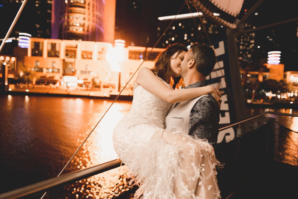 Lecinda Ward, Melbourne Wedding Photographer, Melbourne Aquarium_0311.jpg