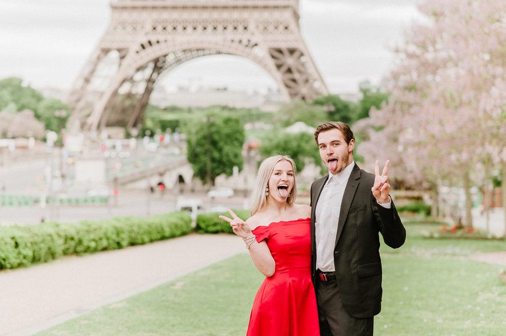 fun photoshoot in paris