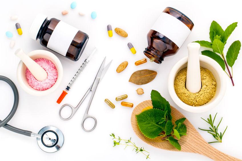 天然與化學配方的保養品,就像中藥與西藥一樣,有其優缺點。