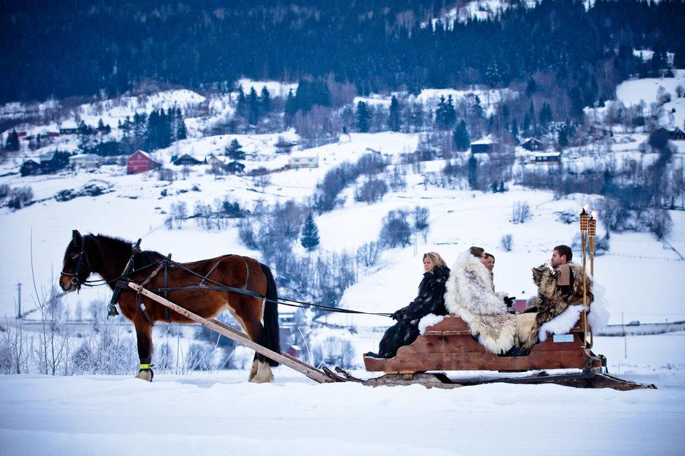 Fjellbryllup med hest og slede