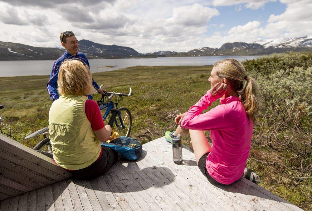 Turtips for syklister - Med base på Vaset kan du velge mellom enkle, middels eller viderekomne ruter. Fra Gomobu finnes det flere titalls flotte og merkede sykkelturer som passer for hele familien.