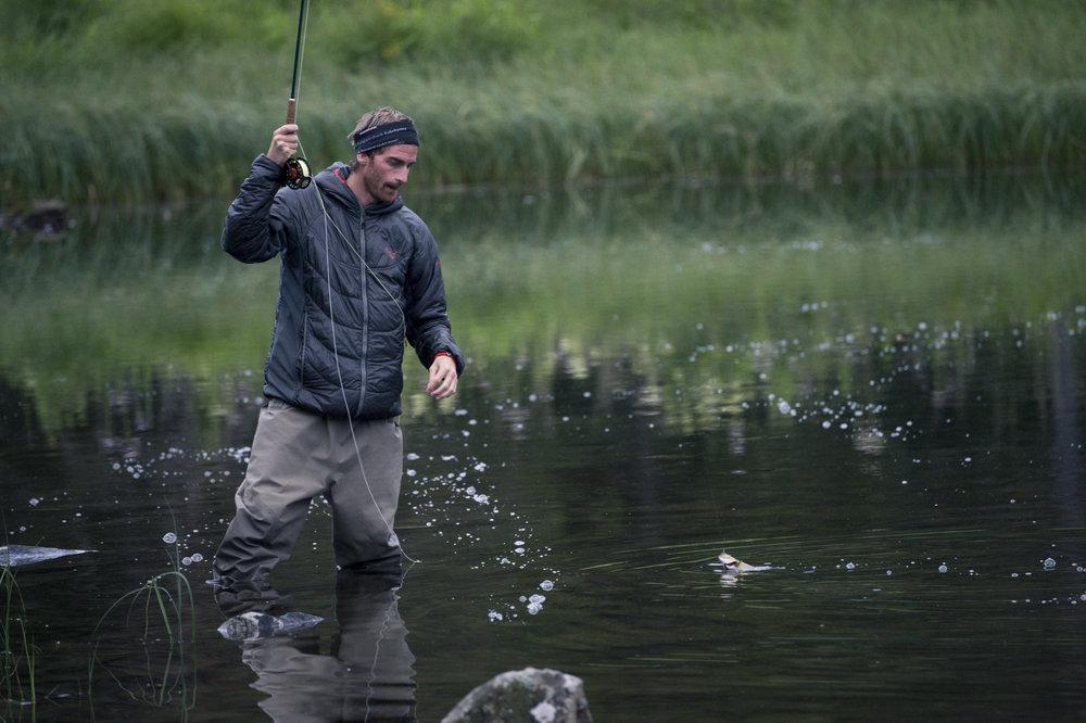 Fiskeregler - Det finnes generelle fiskeregler for Norge, men det er også viktig at du som fisker setter deg inn i de lokale fiskereglene som gjelder. Disse finner du ved fiskevannene. Vi har samlet noen av de viktigste reglene.