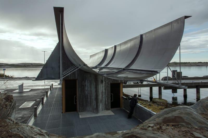 Terminal per traghetti tra i fiordi di Forvik