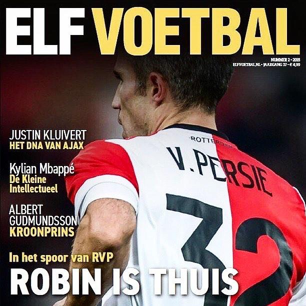 Hoppa #rvp 🥇 op de cover ‼️ van de nieuwe @elfvoetbalmagazine 👌🏻nu in de winkel!  #robinvanpersie #rotterdam #feyenoord #hetlegioen #fr12 #dekuip #elfvoetbal #sportphotography #sportfotografie #cover #publication