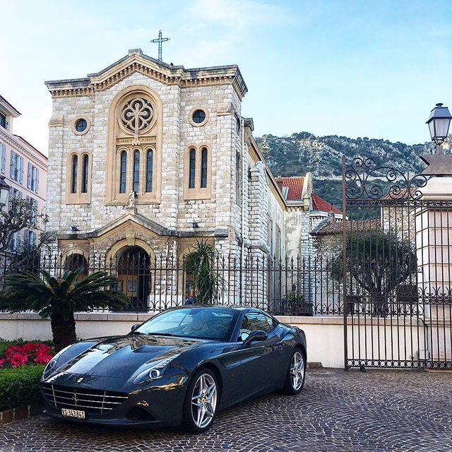 Ferrari Land 🍷💎 . . . . #ferrari #luxurycars #luxurycars #vroomvroom #travelbug #travelgram #travelissexy #traveladdict #travelwriter #luxuryworldtraveler #luxurylifestyle #luxe #lifestyles #richkidsofinstagram #richlife #livingthelife #livingthegoodlife #goodlife #ferrariworld #instatravel #instacar #stylegram #beautifuldestinations #forbestravelguide #cotedazur #frenchriviera #southoffrance