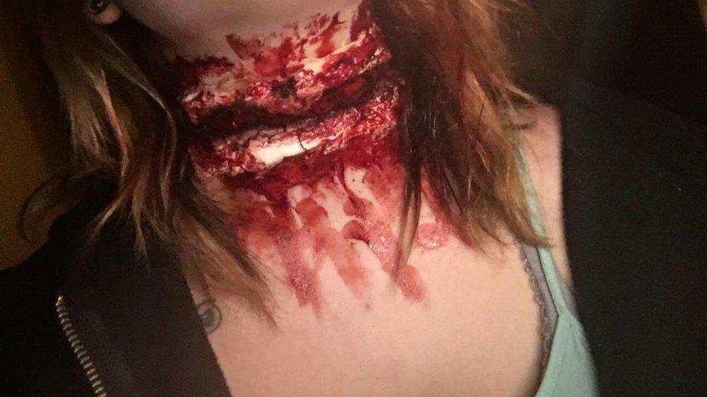 slashed throat.jpg