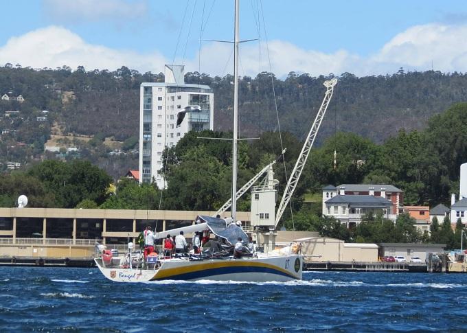 sydney hobart race bengal 7 arrives