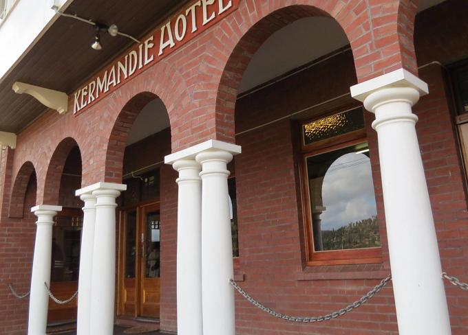 kermandie hotel entrance