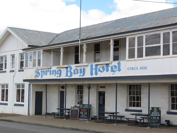 triabunna - spring bay hotel