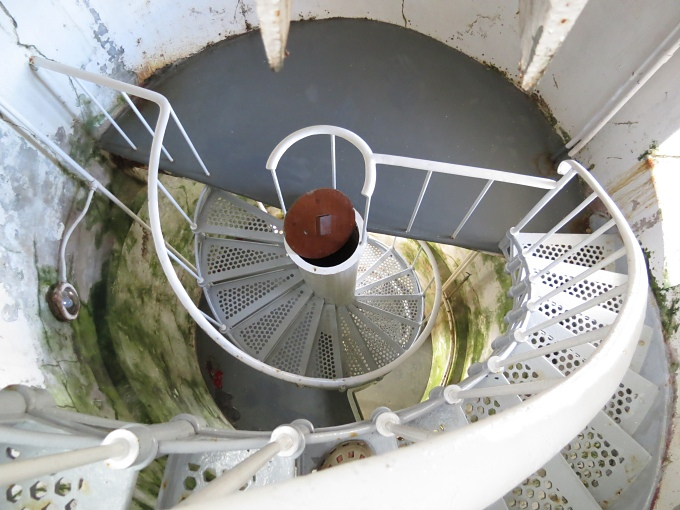 deal island lighthouse_spiral_steps