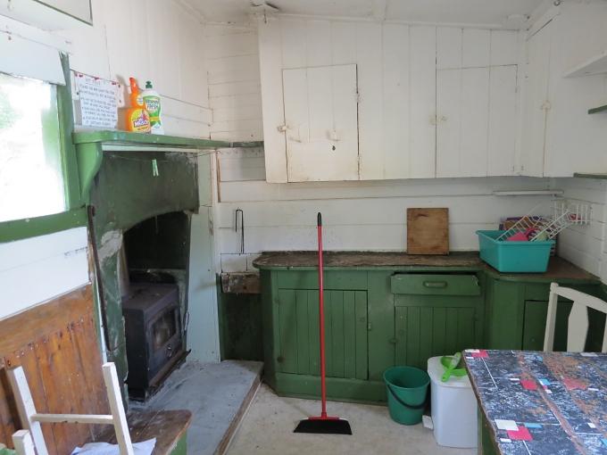 erith island hut interior