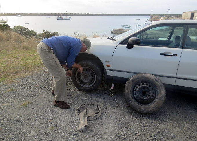 king island changing tire