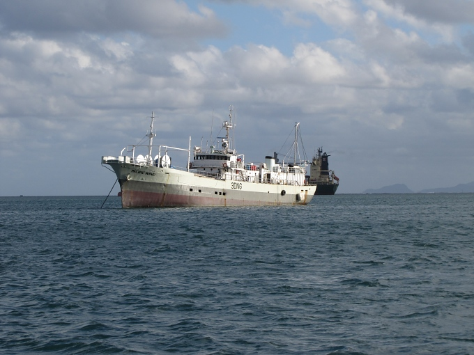 small world_suva_ship_like_moamoa