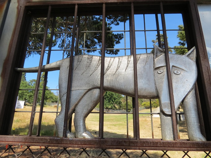 tasmanian tiger beaumaris zoo gate