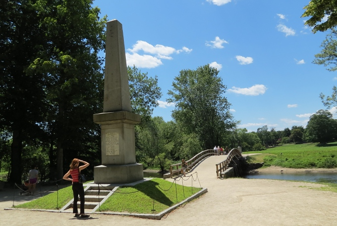north bridge monument