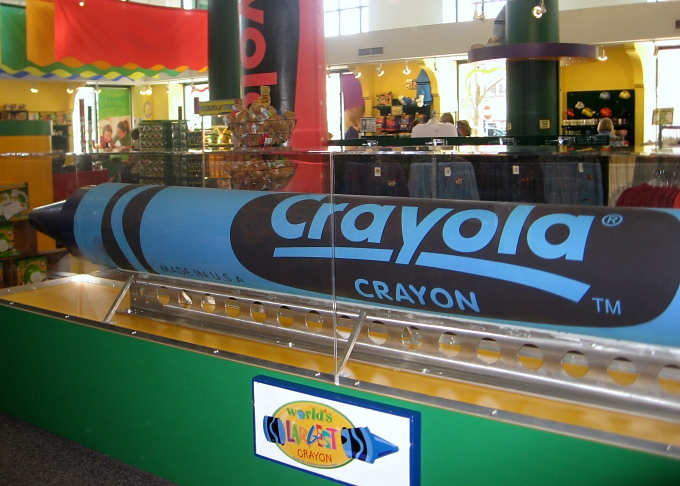 world's largest crayon
