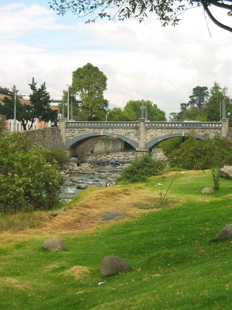 rio tambebamba walk in cuenca, ecuador