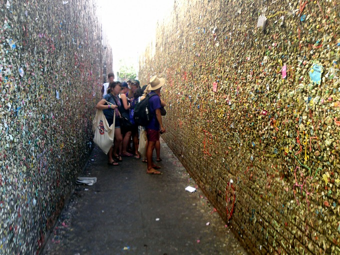 bubble gum alley in california