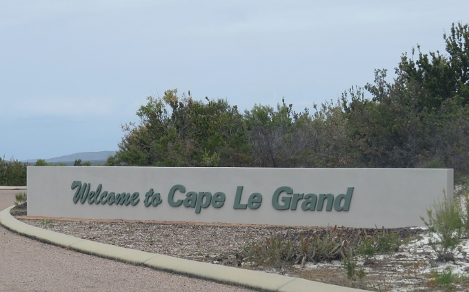 le grand np sign
