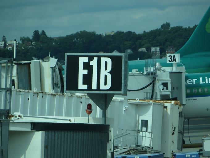 gate e1b