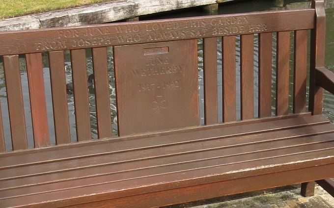 notting hill bench