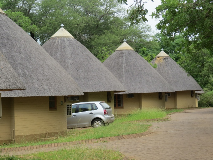huts at skukuza in kruger np