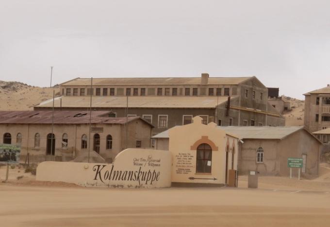 kolmanskuppe entrance namibia
