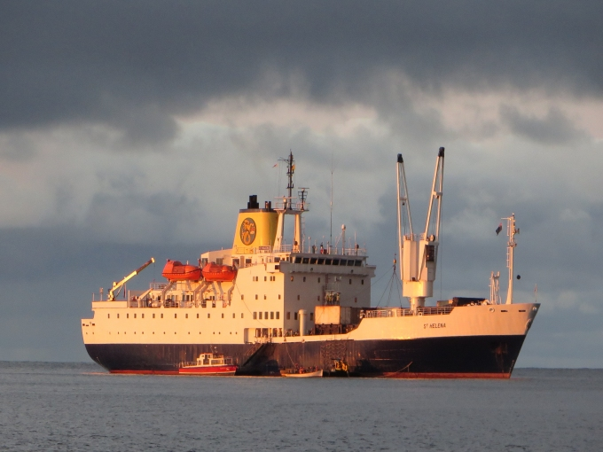 vessels surround rms st. helena