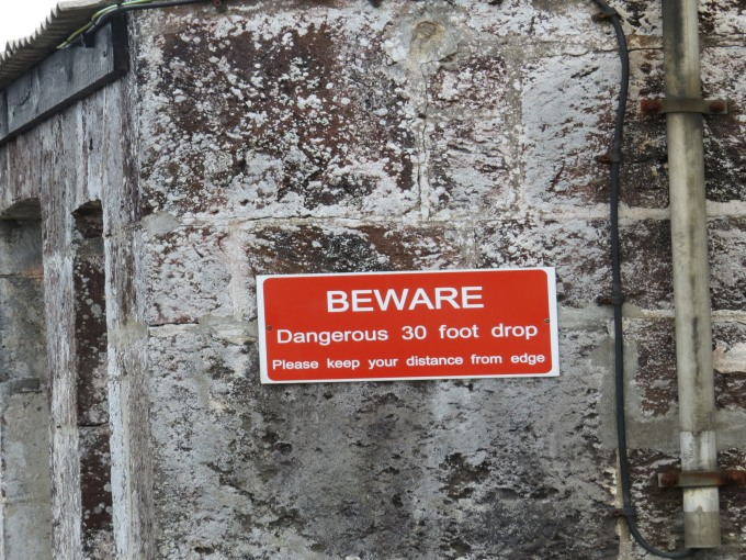 beware dangerous drop