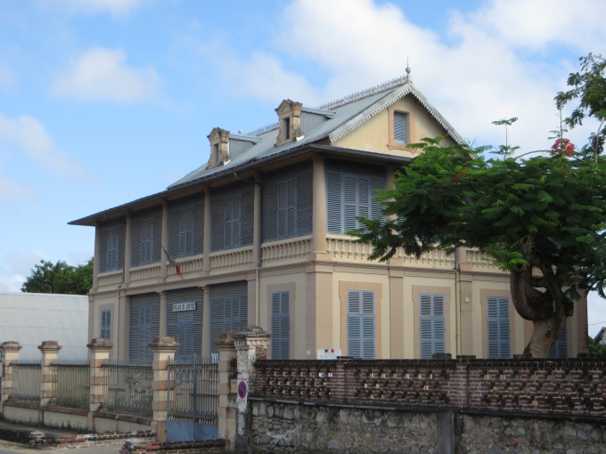 palais du justice st. laurent du maroni french guiana