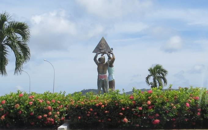 amerindian statue in french guiana