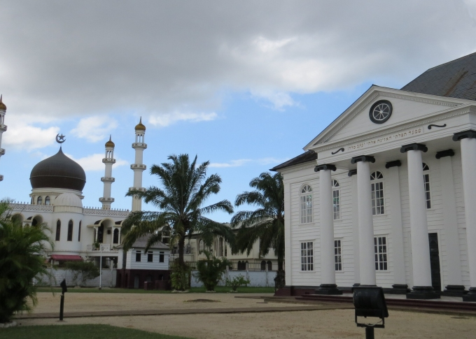 mosque and synagogue side by side in paramaribo suriname