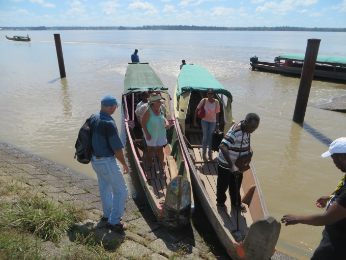 offloading the pirogue