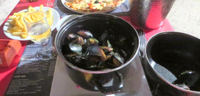 kettle of mussels