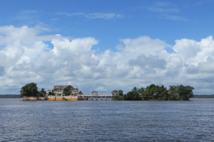 eddie grants place on essequibo river