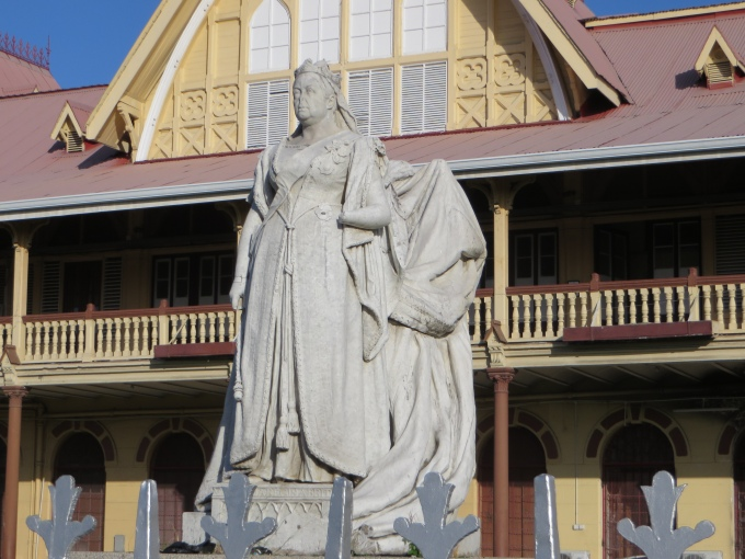 queen vicoria statue in georgetown guyana