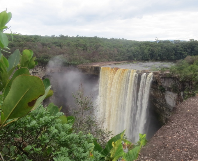 kaieteir falls in guyana