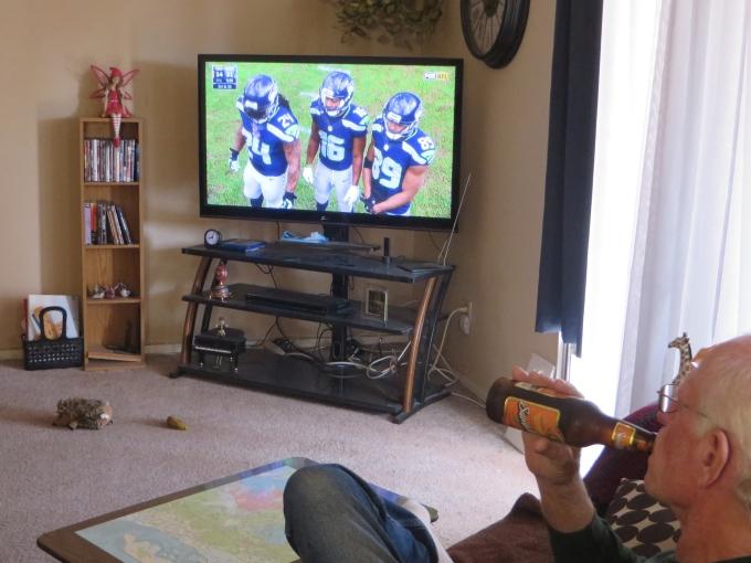 david watching the game