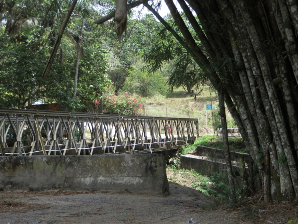 one lane bridge in trinidad