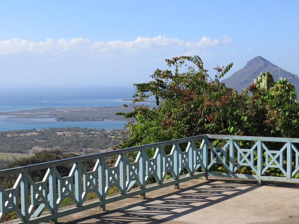 We stopped at an overlook of the coast at Ilot Fortier that was really beautiful with a good view of Piton de la Petite Rivière Noire, Mauritius' highest mountain at 2,717' (828m).